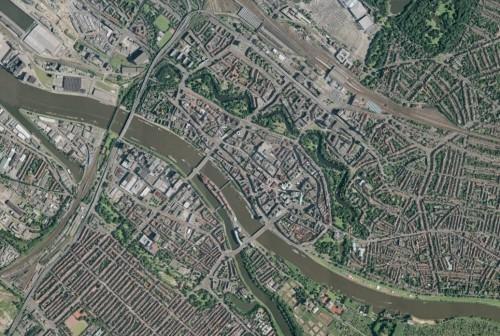 Satellitenbild aus Google Earth, der Fallverlauf ist eindeutig